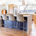 A Pop of Color Adds Dimension to an Uplifting Kitchen