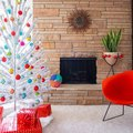 Midcentury Modern Christmas Tree Ideas That Deck the Halls in Retro Style