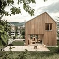 """Tour This """"Low-Tech,"""" Wood-Clad Home in Vienna"""