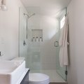 Frameless Shower Doors: These Are the Pros and Cons