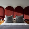 A Modern London Apartment's Luxe Velvet Details Are Just ... Swoon
