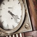What Parts Are in a Grandfather Clock?