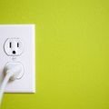 What Are the Causes of a Shorted Out Electrical Outlet?
