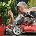 How to Change a the Oil in a Lawn Mower