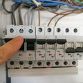 How to Wire an Electric Range to a Circuit Breaker Panel