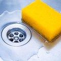 How to Keep a Kitchen Sponge From Smelling