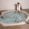 How to Lower the pH in a Hot Tub