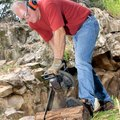 How to Troubleshoot a Jonsered Chain Saw
