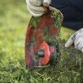 How to Repair a Grass Trimmer That Only Runs in Choke