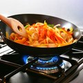 Differences Between Nonstick and Anodized Cookware
