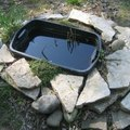 How to Make a Garden Pond With a Rubbermaid Container