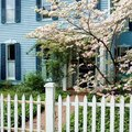 How Far Off the Ground Should a Picket Fence Be?