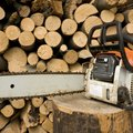 How to Repair the Oiler on a Stihl Chainsaw