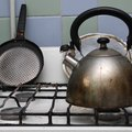How to Clean an Enamel Stove Top