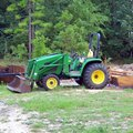 How to Identify the Model of a John Deere Tractor