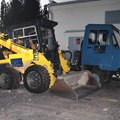 How to Move a Skid Steer Without Power