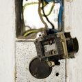How to Replace a 220 Electrical Outlet