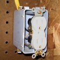 How to Remove Electrical Wire From a Push-in Receptacle