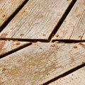 How to Fix Decking Wood That Is Feathering & Splintering?