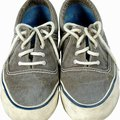How to Remove Jean Stains From Canvas Sneakers