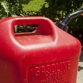How to Mix Fuel for a Weed Eater