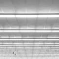 How to Wire Fluorescent Lights in Series