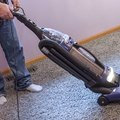 How to Clean Carpets With White Vinegar
