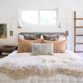 This Gorgeous Bedroom Epitomizes Cozy-Chic
