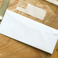 How to open sealed envelopes from the freezer