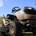 How to Troubleshoot a Craftsman Lawn Tractor