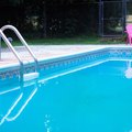 How to Raise Calcium Hardness in a Swimming Pool