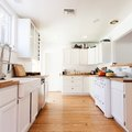 17 Ways to Naturally Clean Your Home