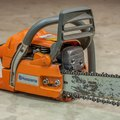How to Adjust a Husqvarna Chainsaw Oiler