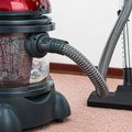 How to Clean the Dirty Edges of a Carpet