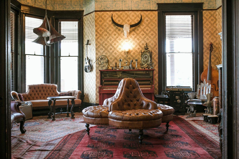 Sitting room at Urban Cowboy Nashville