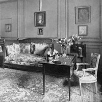 Elsie de Wolfe Was One of the First Professional Female Interior Designers