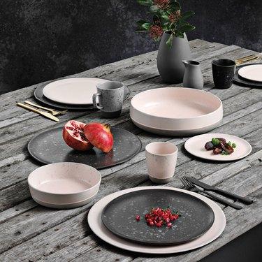 Aida plates