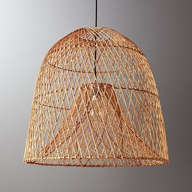 Finely woven rattan bell-shaped pendant light