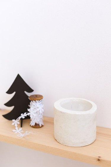 DIY Concrete Candleholder