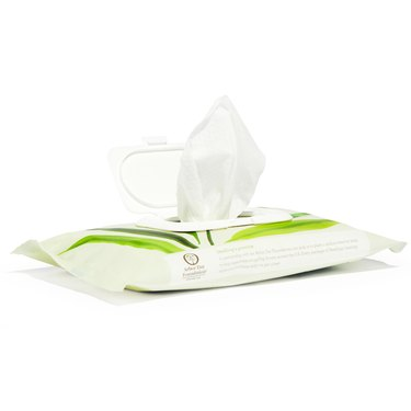 white and green compostable kitchen wipes