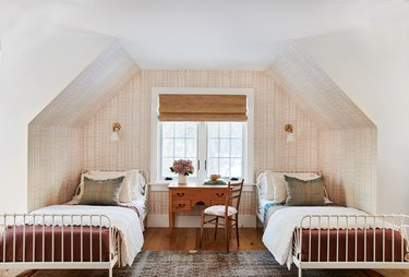 Craftsman Bedroom by Amber Interior Design Studio
