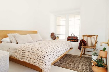 king size bed in bedroom