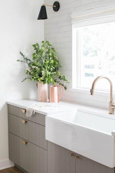 brass cabinet hardware budget kitchen idea
