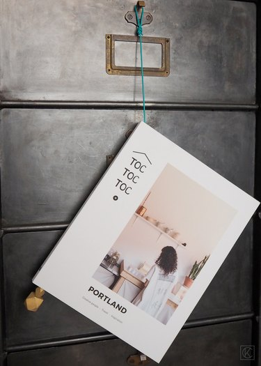magazine hanger