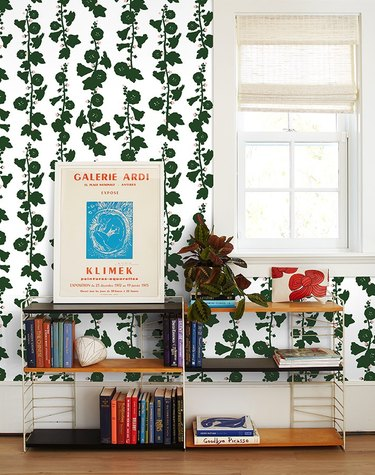 green foliage pattern wallpaper