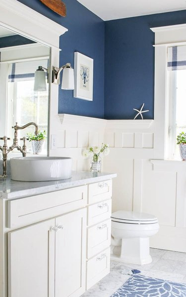 blue and white coastal bathroom