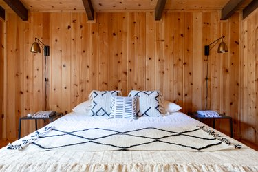 bed in cabin