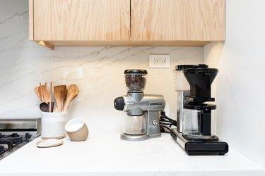 Coffee machine, coffee grinder, kitchen utensils