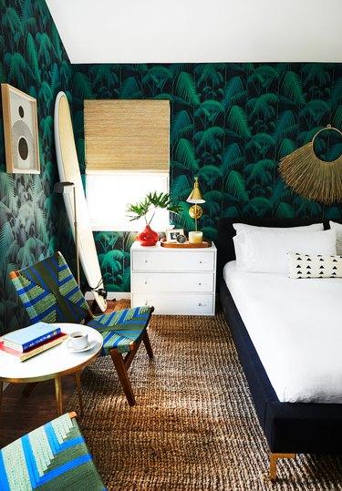 tropical print wallpaper in bedroom
