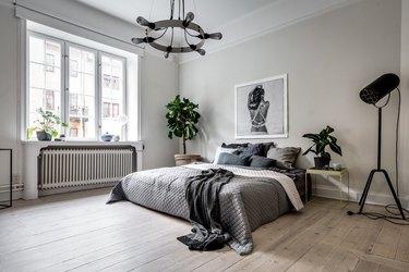 bedroom with low-height platform bed